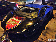 Arsenal FC fan wraps his Lamborghini Aventador in club theme