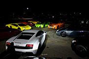 Käufer eines BMW M5 feiert mit einem Sportwagen-Treffen