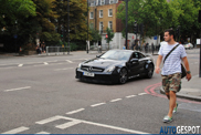 Gespot: papa Hamilton in Mercedes-Benz SL 65 AMG Black Series
