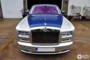 Prachtige two-tone Rolls-Royce Phantom Series II gespot