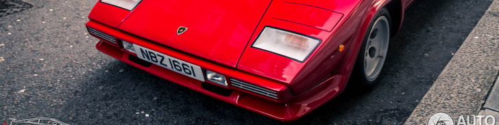 Beautiful pictures of a Lamborghini Countach 5000 S