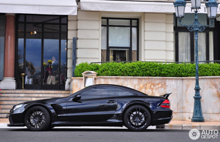 Brutal, but with a message: Mercedes-Benz SL 65 AMG Black Series