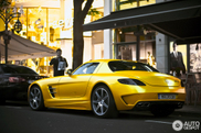 This is how we like it: matte yellow Mercedes-Benz SLS AMG