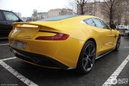 Decadentie in Moskou: Sunburst Yellow gekleurde Aston Martin