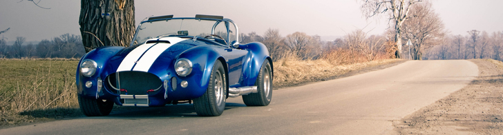 Fotoshoot: AC Cobra in Pools landschap