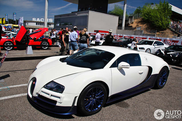 Sport Auto High Performance Days 2012: Veyron 16.4 Super Sport in new colours
