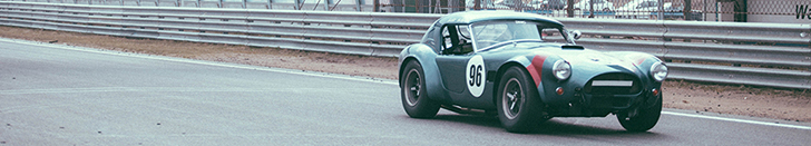 Fotografie: nostalgische AC Cobra&#039;s op Circuit Zandvoort