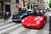 Porsche 959 is very red