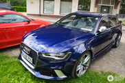 Blue Audi RS6 Avant C7, an awesome appearance