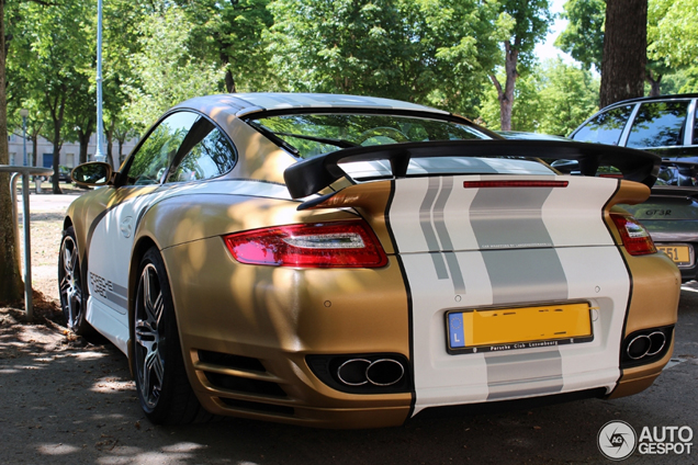 Spotted: Beautifully wrapped Porsche 997 Turbo Techart MkI!