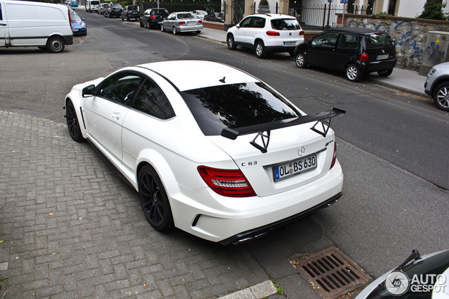 Unexpected brutal: Mercedes C63 AMG Coup&eacute; Black Series in white!