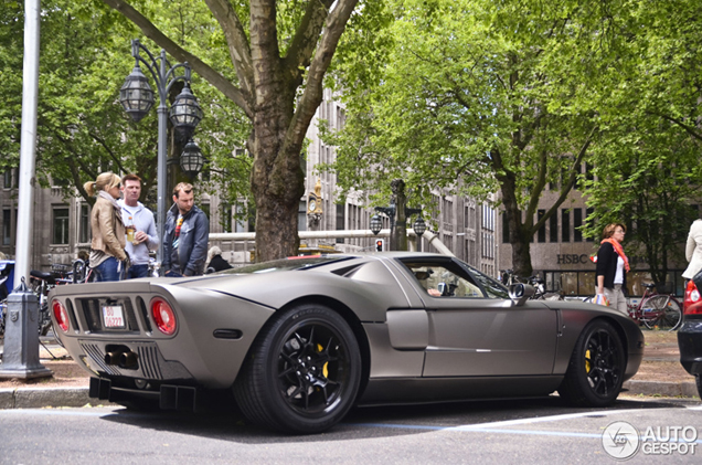 Muscular matt brown Ford GT spotted on the Kö