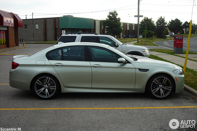 Spotted: BMW M5 F10 in the colour Amazonite Silver Metallic