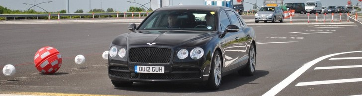 Primicia: Bentley Flying Spur V8