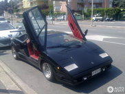 The Lamborghini Countach 25th Anniversary still is a beauty!
