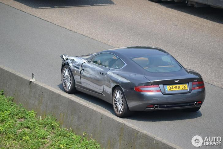 Aston Martin DB9 with heavy damage spotted