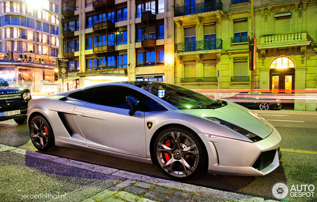 Lamborghini Gallardo SE shines during blue hour in Geneva