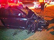 Audi R8 GT-bestuurder negeert rood licht: total loss als gevolg