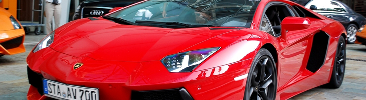 Autogespot welcomes the first Rosso colored Aventador