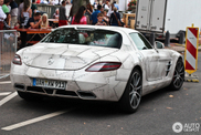 Mercedes-Benz SLS AMG with an extraordinary wrap