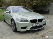 Very chic: BMW M5 F10 in Amazonite Silver Metallic