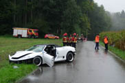Cheap drive in a Ferrari ends in a disaster