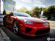 Pearl Red Lexus LF-A in het land met een rode vlag: China