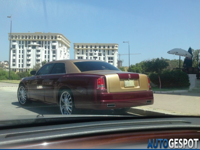 Gespot: Rolls-Royce Phantom en Chrysler 300C in cocktail