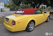 Cruising through the Spanish coast: colourful Drophead Coupe spotted