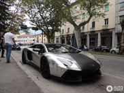 Brushed aluminum makes the Lamborghini Aventador LP700-4 look amazing